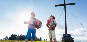 Steirische Harmonikas für Groß und Klein von Harmonikaerzeugung Schmidt